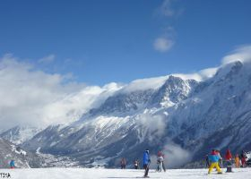 TOURISTS IN THE ALPES by isabelle13280