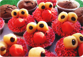 Elmo in the land of muffins by Jazzca