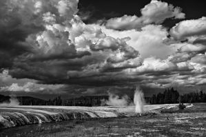 cliff geyser and approaching storm by eDDie-TK