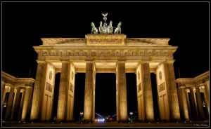 Berlin - Brandenburger Tor by Ollidoro