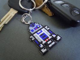 R2D2 Pixel Keychain by Pixelosis