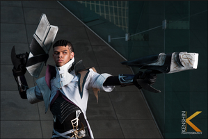 Lucian The Purifier Cosplay: Light and Shadows by Winged-Mouz