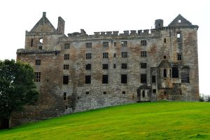 Linlithgow Palace 1 by wildplaces