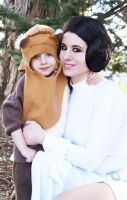 Leia and Ewok by HeatherCosplay