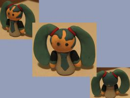 Miku clay by Hiddenwithinthunder