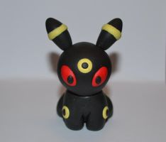 Umbreon pokedoll figure by Jensoxen