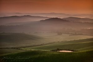 Tuscan sunrise by XavierJamonet