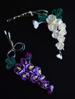 Lilac Kanzashi: Purple and White hairpin by hanatsukuri