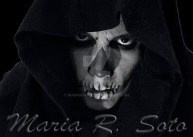 Black and White Skull by MariaRSoto