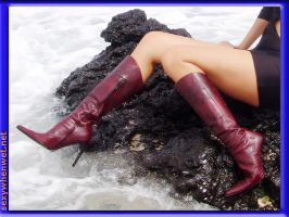 Wet Boots are Sexy Boots by wetshoe