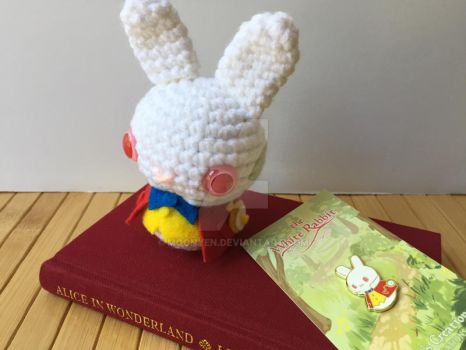 The White Rabbit Moon Bun and Pin by MoonYen