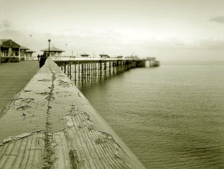 Llandudno 'Peer' by photonig