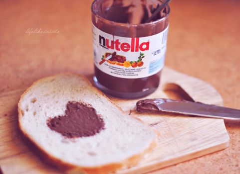I'm nutella, eat me. by lifelikesuicide