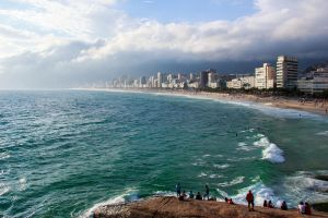 Cloudy day in Ipanema by r-assumpcao