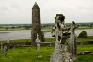 Clonmacnoise by LunaFeles