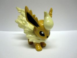 Shiny Flareon Tomy Repaint by caffwin