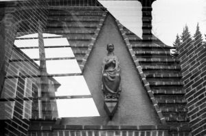 pray by farbanomalie