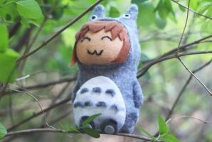 Sayaka Totoro sitting on a tree by SayakaSae