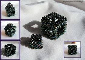 A rather special beaded cube by pralinkova-princezna