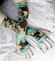 Drishti Arm Warmers by ZenAndCoffee
