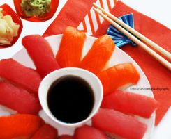 Tuna n Salmon Sushi by theresahelmer