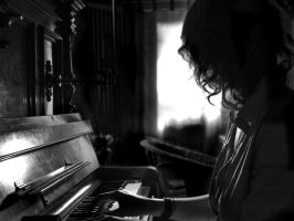 The Piano Player by Das-Lauralein