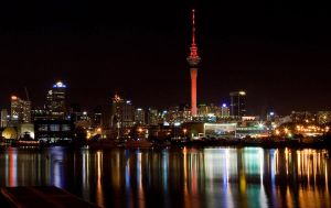 Auckland at Night II by chrisgin