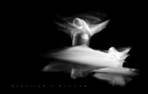 Tanoura Dancer - BW by Sula88
