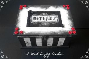 HANDMADE - Beetle Juice Box by IWantCandyCreation