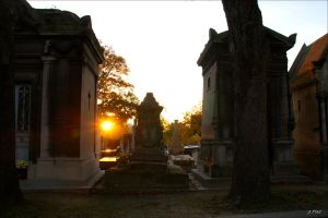 Sunset at Pere Lachaise by Patguli