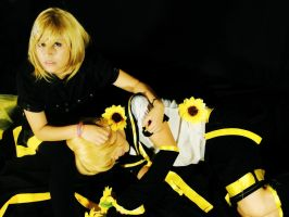 Kagamine Twins by SidarthuR