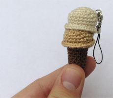 Ice Cream Amigurumi by DaftPassion