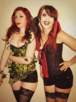 Poison Ivy and Harley Quinn by chronicbetchface
