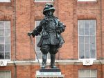 William III statue by Persnicketier