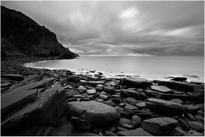 black and white bay by sassaputzin