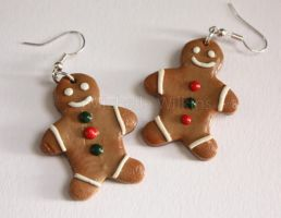 Gingerbread men Earrings by DragonsDust