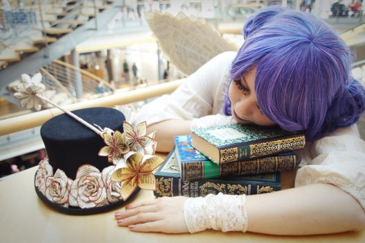 Sleepy little Book-Fairy by Panicou