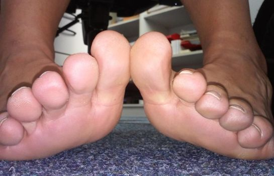 big toes (update) by Netsrot1971