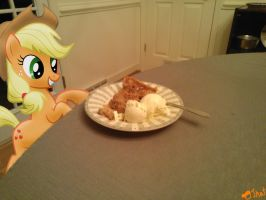 Applejack likes Apple Pie! by OJhat