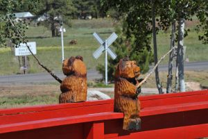 Fishing bear carvings by lawout16
