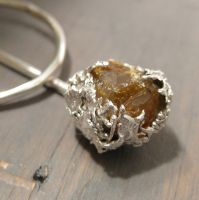 Rough Amber - shawl pin by Jealousydesign