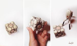 The Weighted Companion Cube by Ebae