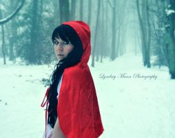 Little red riding hood by Lynnzee-Chii