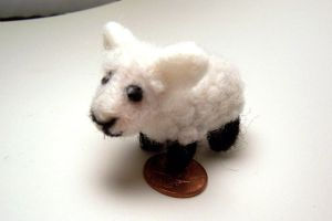Needle felted sheep by SnowFox102