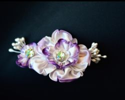 Twilight Flowers. Purple Wedding Kanzashi. by hanatsukuri