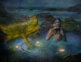 Moonlight Bath  by LindArtz