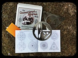 Geometrigraph and Polygraph Templates by Zygamora