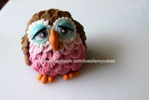 Fondant owl cake topper by zoesfancycakes