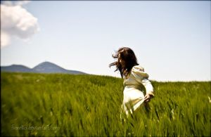 the wind makes me happy... by FioReLLo