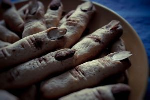 Witches fingers by Di-To